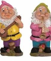 2x tuinkabouters 30 cm muzikanten roze groen