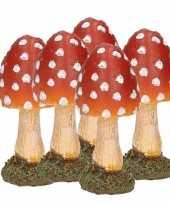 5x stuks decoratie paddenstoelen vliegenzwammen 8 cm